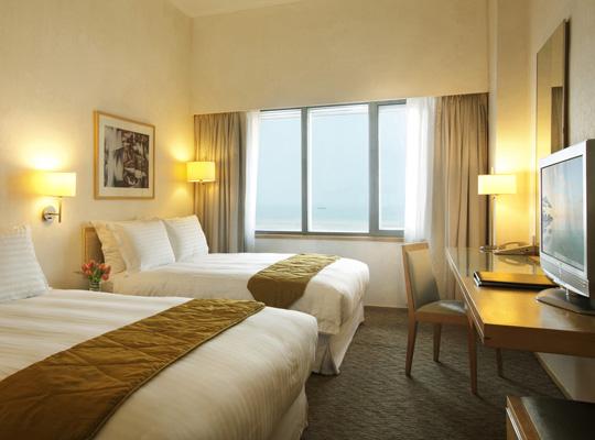 Regal Airport Hotel Hong Kong - Deluxe Room