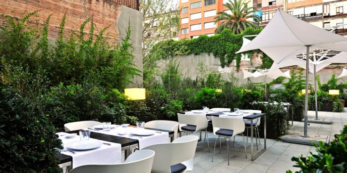 Alma Barcelona - Outdoor Restaurant