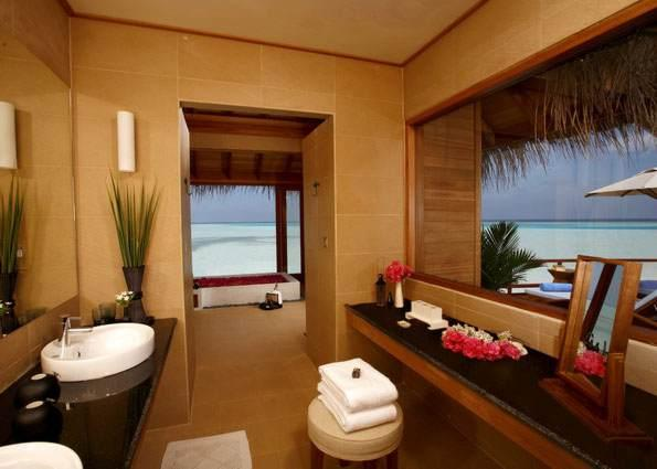 Anantara Dhigu Resort & Spa - Over Water Suite Bathroom
