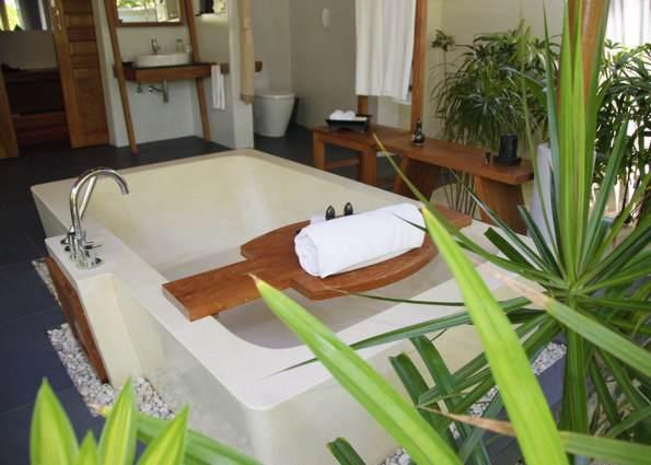 Anantara Dhigu Resort & Spa - Villa Bathroom