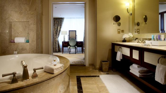 Conrad Macao Cotai Central - Bay Suite Bathroom