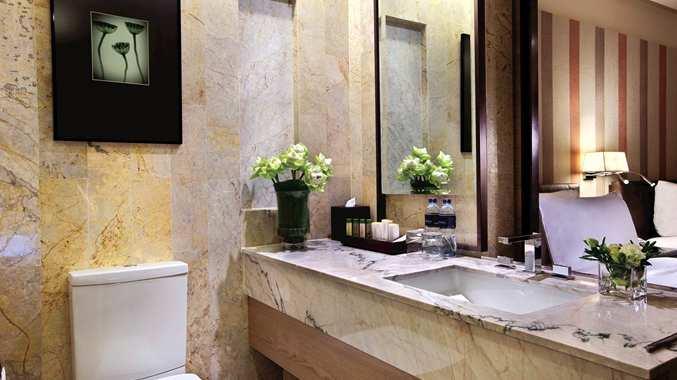 DoubleTree by Hilton Sukhumvit Bangkok - Bathroom