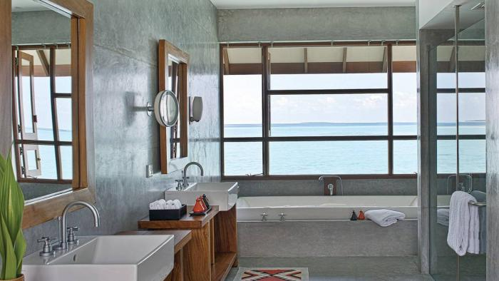 Four Seasons Resort Maldives at Landaa Giraavaru - Water Villa Bathroom