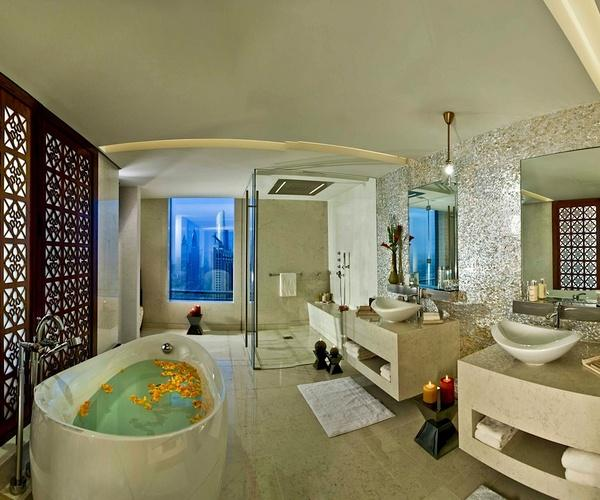 H Hotel Dubai - Suite Bathroom