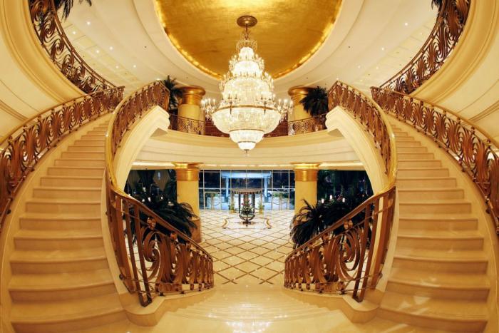 Hilton Sharjah - Lobby