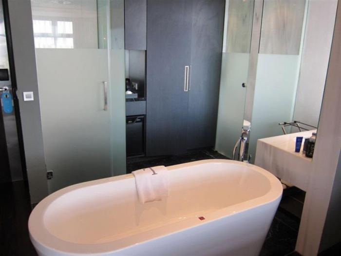 L Hotel Seminyak Bali - Bathroom