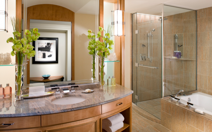 Mandarin Oriental Boston - Bathroom