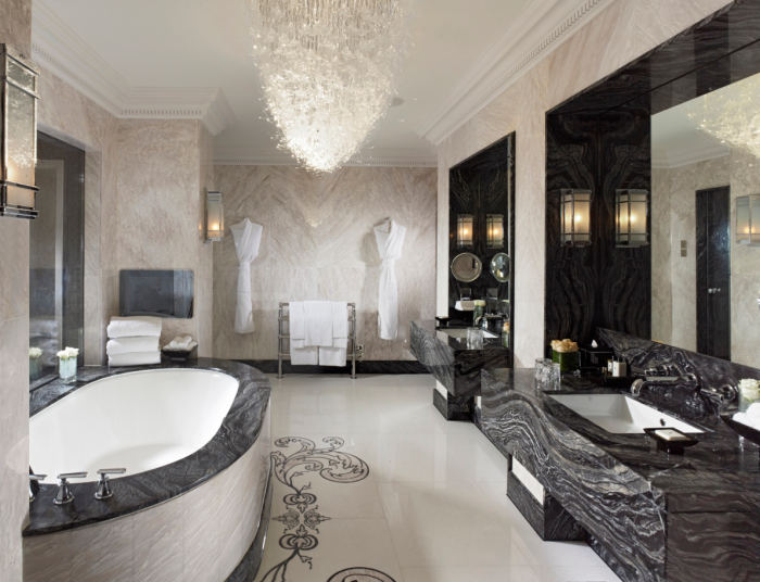 Mandarin Oriental Hyde Park, London - Royal Suite Bathroom