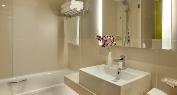 Pullman Dubai Deira City Centre - Bathroom