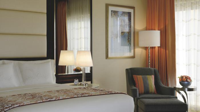 Ritz-Carlton Abu Dhabi, Grand Canal - Deluxe Room