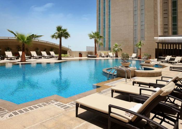 Sofitel Abu Dhabi Corniche - Pool