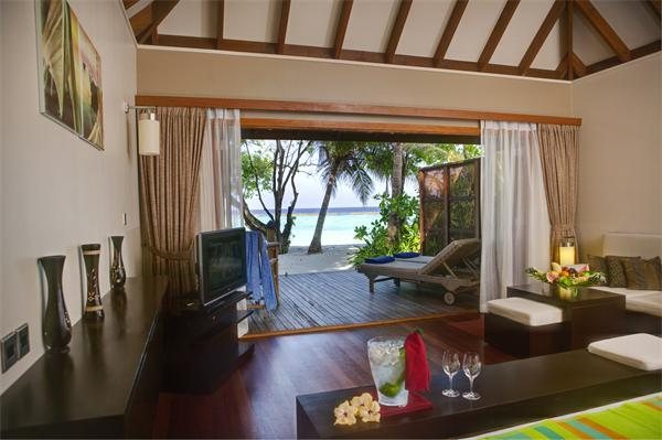 Veligandu Island Resort - Jacuzzi Beach Villa