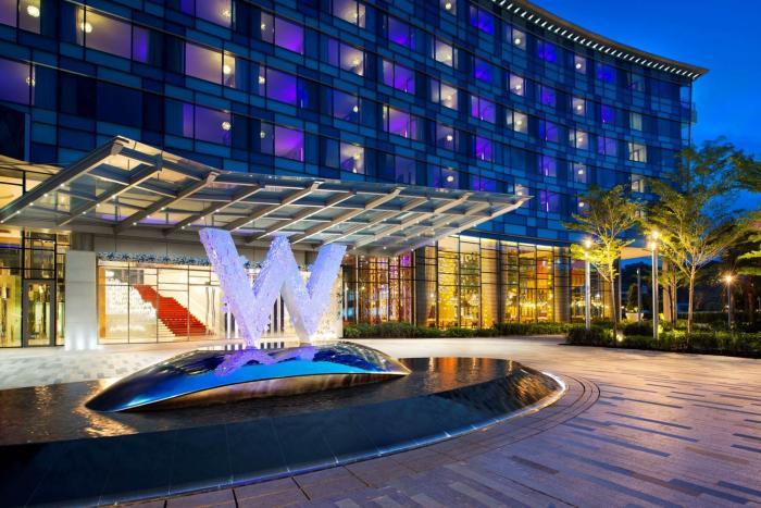W Singapore - Sentosa Cove Hotel Entrance
