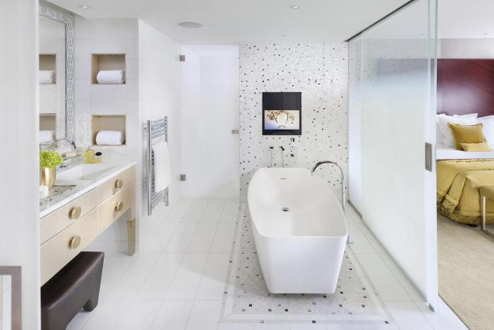 Mandarin Oriental Paris - Deluxe Suite Bathroom