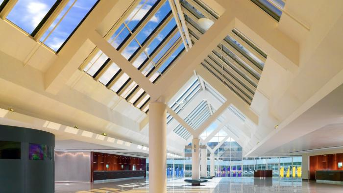 Sheraton Frankfurt Airport - Lobby