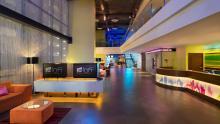 Aloft Bangkok - Lobby