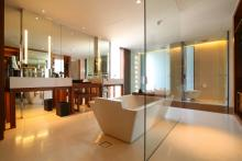 Hansar Bangkok - Vertigo Suite Bathroom