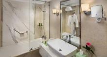 Hilton Alexandria Corniche - Bathroom