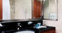 Hilton Singapore - Bathroom