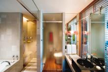 Mandarin Oriental Tokyo - Deluxe Room Bathroom