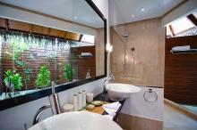 Mirihi Island Resort - Villa Bathroom