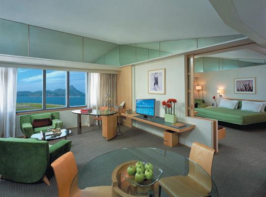 Regal Airport Hotel Hong Kong - Deluxe Suite