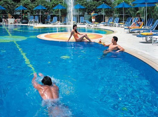 Regal Airport Hotel Hong Kong - Outdoor Swimming Pool