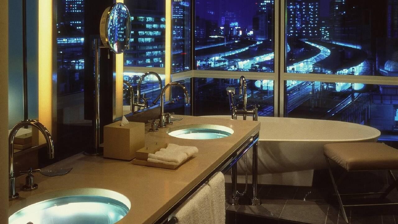 Four Seasons Hotel Tokyo at Marunouchi – One Bedroom Suite Bathroom